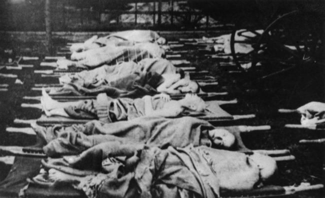 Namun, Ravensbrück terutama dikenal karena eksperimen medis pada wanita, kebanyakan orang Polandia.