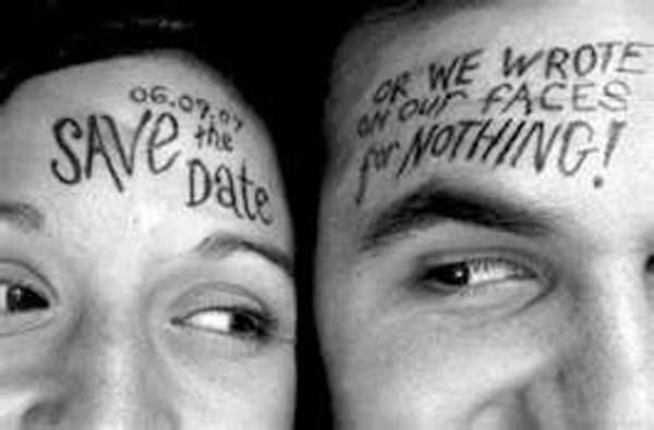 3.) Simpan kertas dengan menulis di wajah Anda untuk menyimpan tanggal