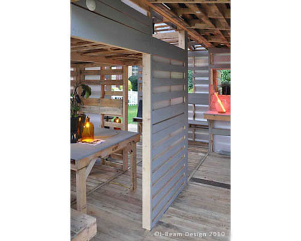 The pallet houses can even be upgraded to include insulation, heating and cooling.