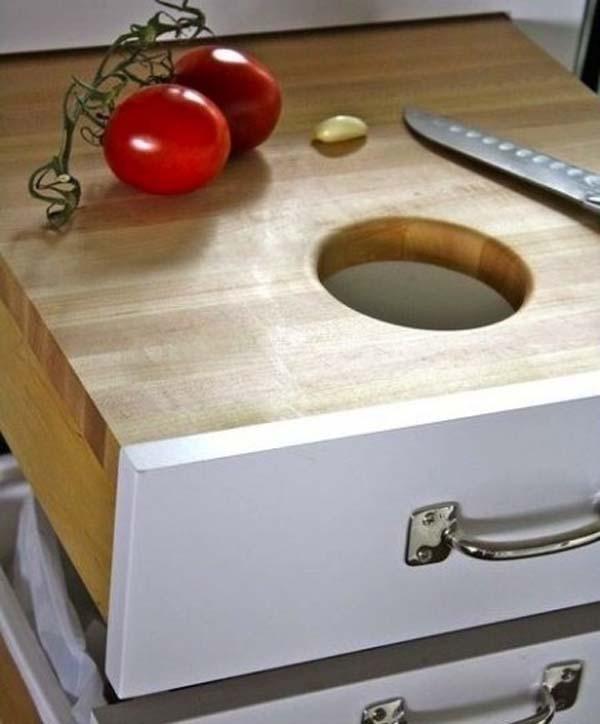 27.)将厨房抽屉用作可以隐藏的切菜板。