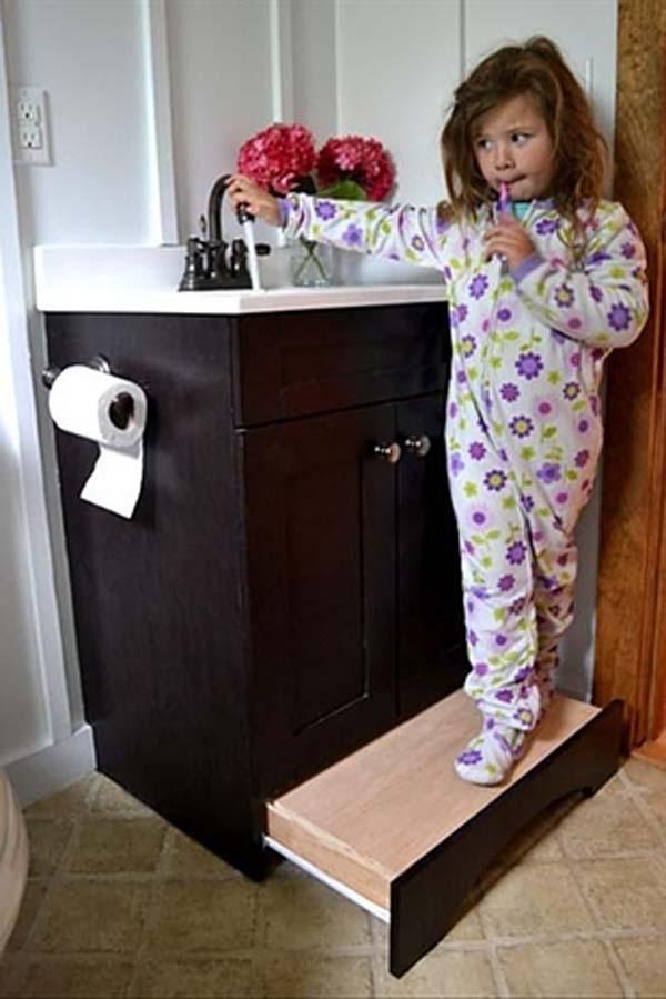 28.)在浴室中使用滑动式踏板,而不要使用踏板工具。