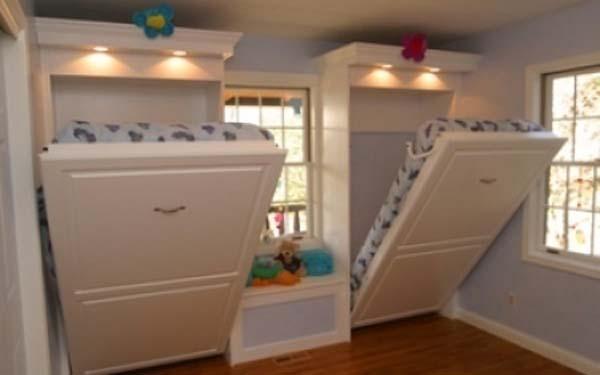 20.)为孩子们安装优雅的墨菲床,而不是双层床。