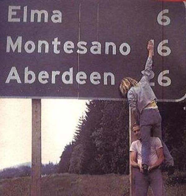 31.)Kurt Cobain和Krist Novoselic。