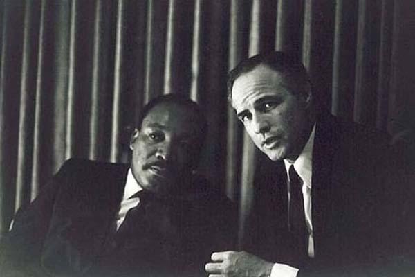 22.)小MLK和马龙·白兰度(Marlon Brando)。