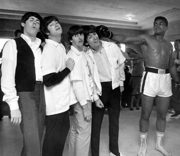 21.)甲壳虫乐队和穆罕默德·阿里(1964)。