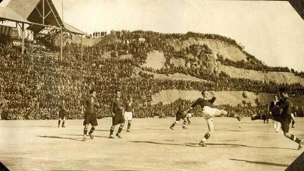 8.)巴塞罗那的诺坎普球场(1925)。