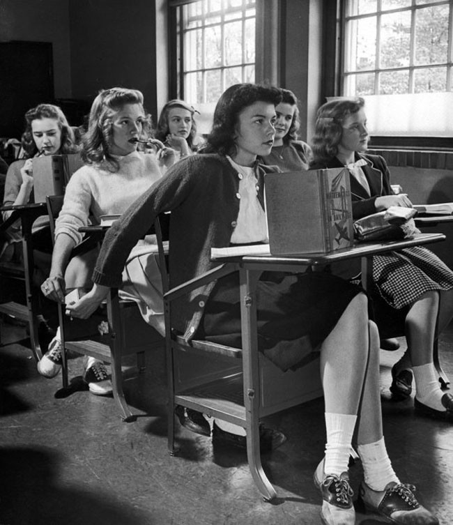The original way to 'text' in Class (1944).