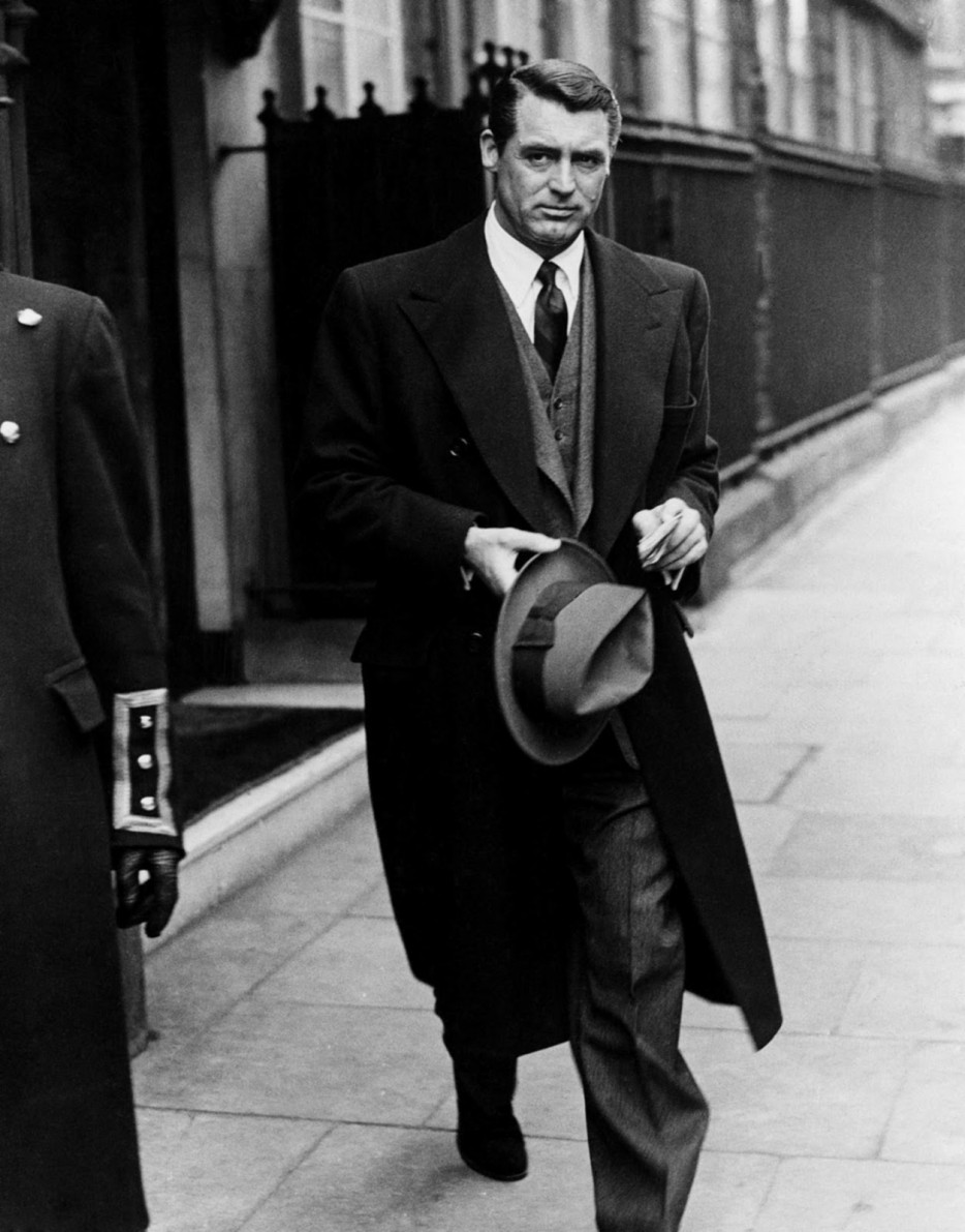 The definition of old school cool. Cary Grant in the 1950s.