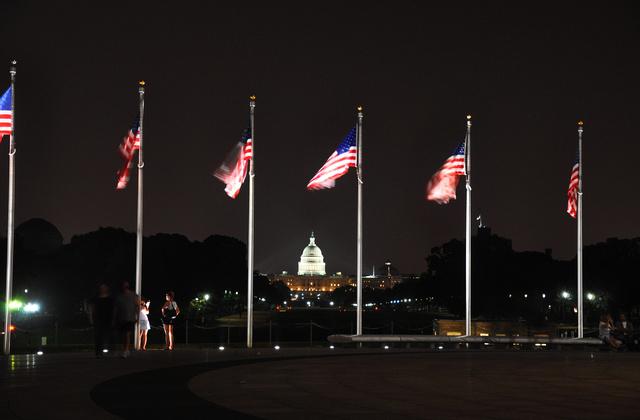美国是几乎到处都显示国旗的仅有的国家之一。