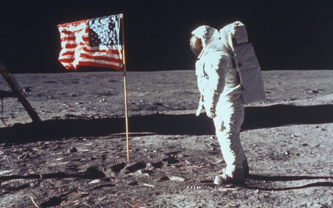27%的美国人不相信我们降落在月球上。