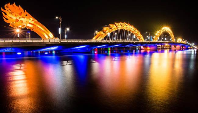 越南岘港市龙桥