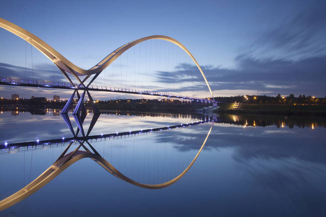 Infinity桥,蒂斯托克河畔斯托克顿,英国