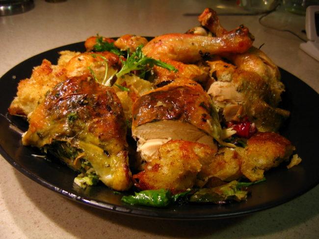 鸡肉中的蛋白质成分也会在微波炉中发生变化,这会使您的胃感到不适。