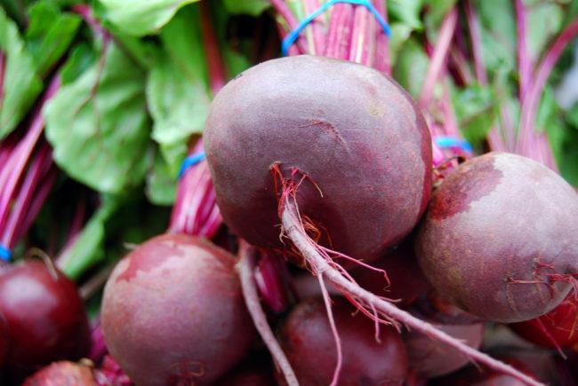 甜菜新鲜度更高,硝酸盐含量高使得它们远离微波是最安全的选择。