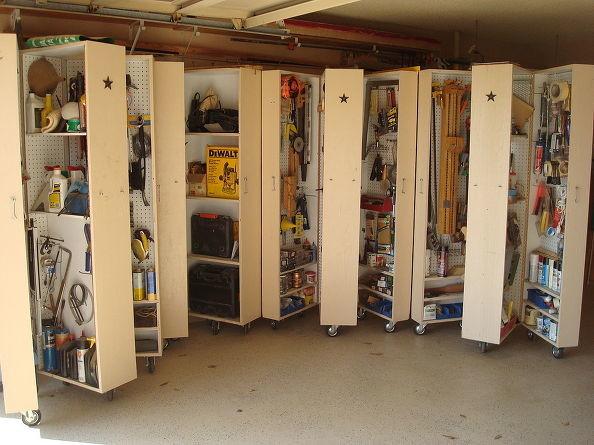 将您的橱柜放在轮子上,以便您随时可以更改车库的配置。